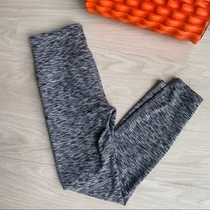 Gap fit heather gray athletic leggings size MED